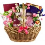 Mom To Be, Pregnancy Gift Basket